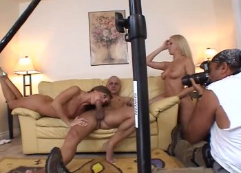 Billede 5 - scene 6 - 2 Girls For Every Guy 2